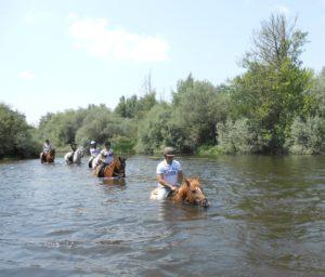 Paeo a caballo por el río Tormes